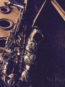 Sax strings